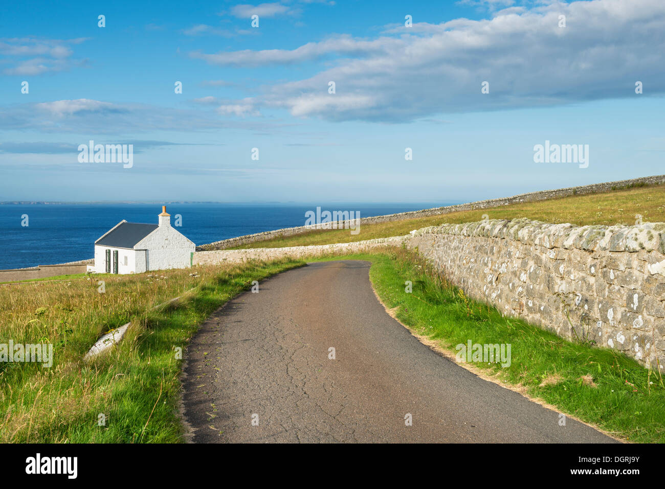 Cottage on the northern coast of Scotland, Dunnet Head, Caithness County, Scotland, United Kingdom, Europe - Stock Image