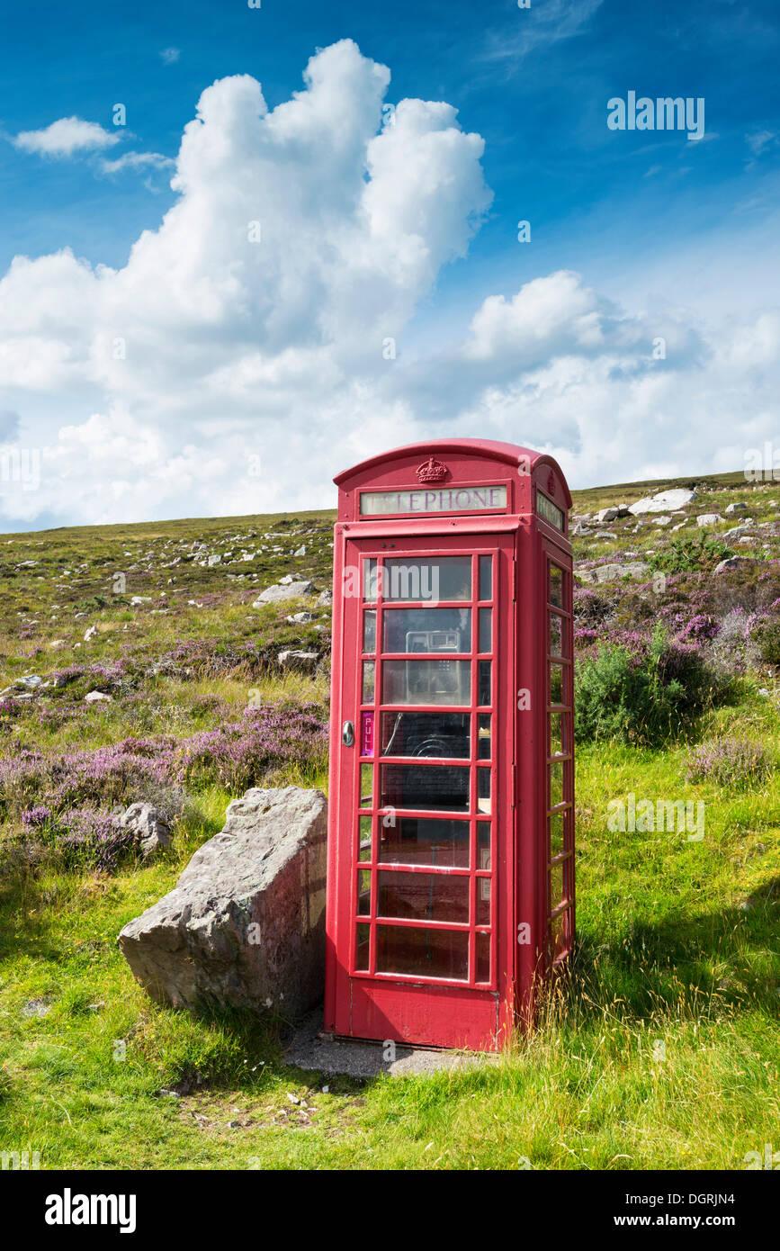 British telephone box in the Scottish Highlands, Northern Highlands, Highlands, Sutherland County, Highland, Scotland Stock Photo