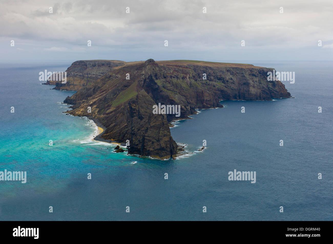 Ilhéu da Cal, or Ilhéu de Baixo, uninhabited island off Porto Santo, Madeira, Portugal, Europe - Stock Image