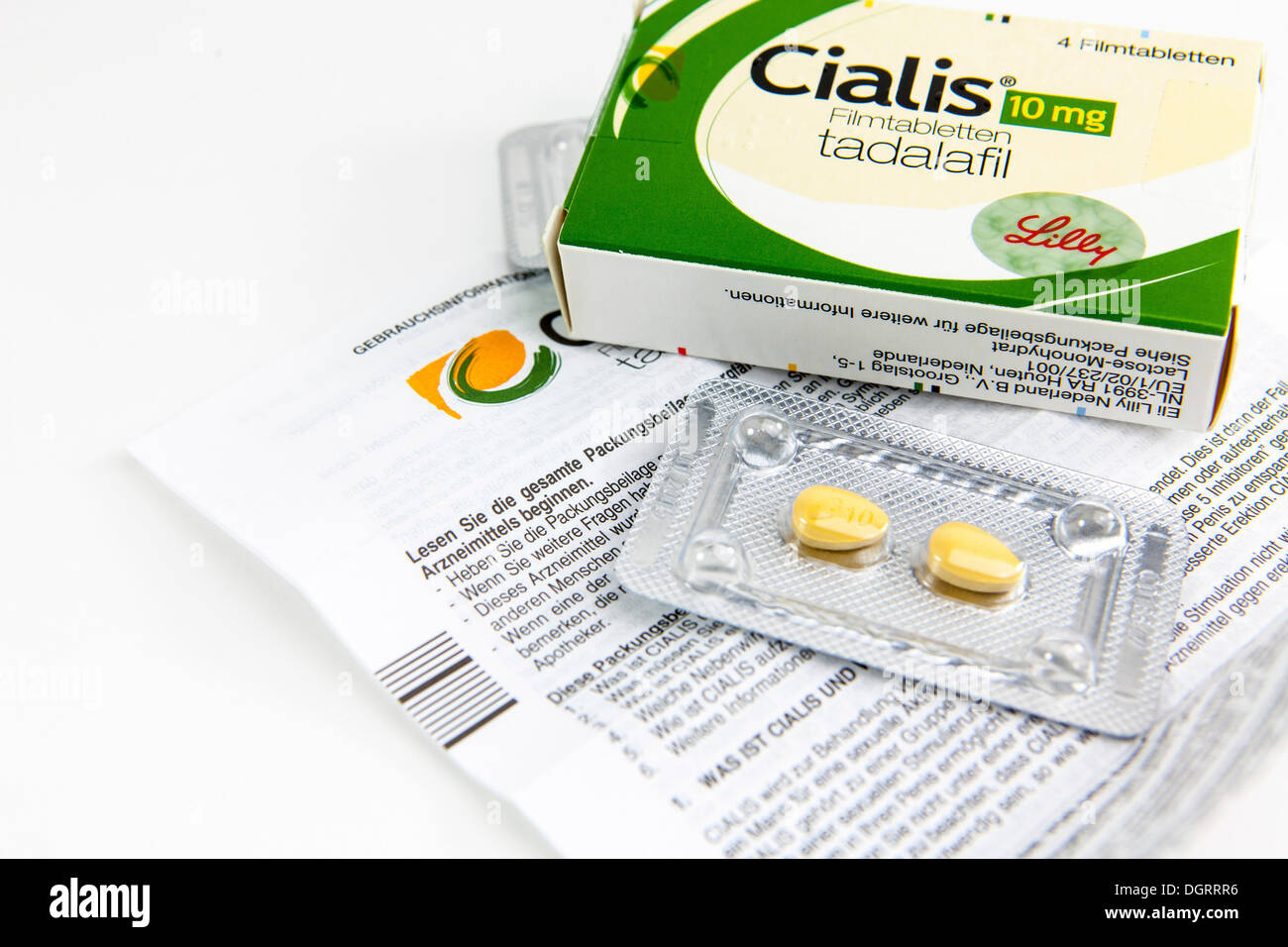 Cialis tablets for increasing virility - Stock Image