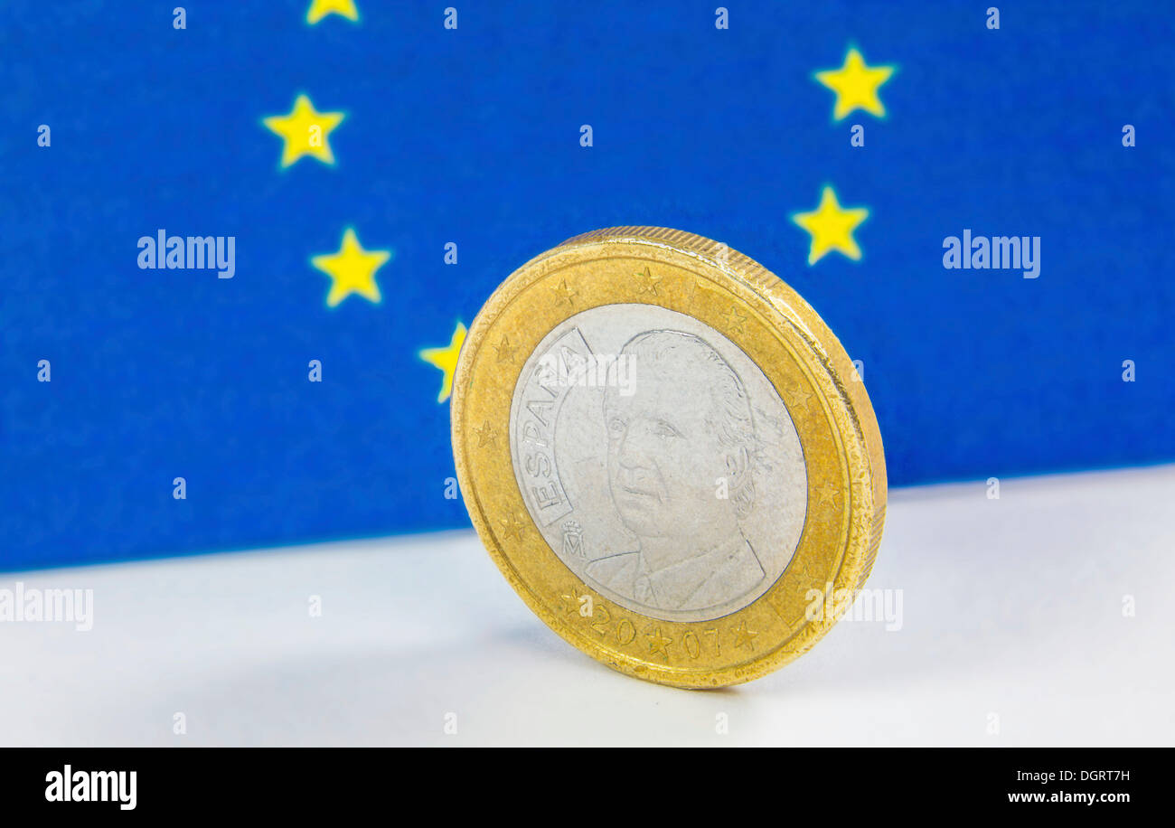 Old Greek 1 Euro coin in front of the flag of the European Union - Stock Image