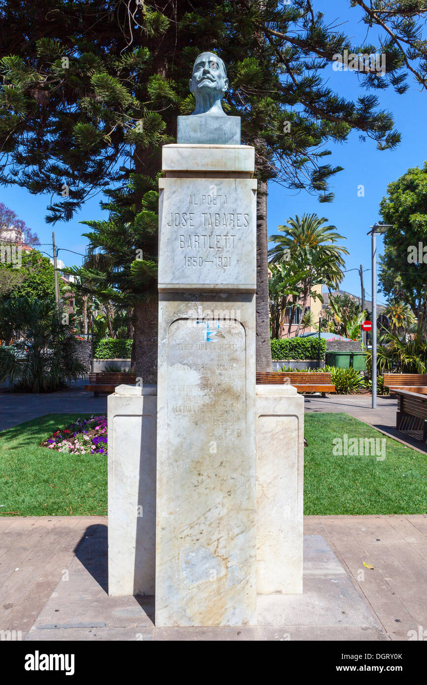 Bust of Jose Tabares Bartlett, 1850 - 1921, Plaza de la Conception in the historic old town of San Cristobal de La Laguna - Stock Image