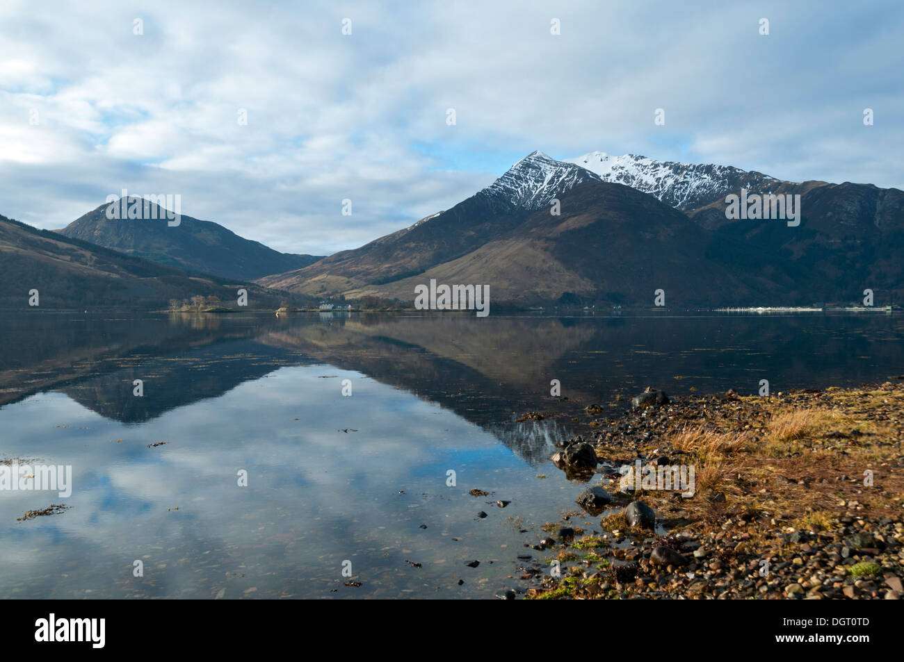 Sgorr a' Choise and the  Beinn a' Bheithir range over Loch Leven, from near North Ballachulish, Highland region, Scotland, UK - Stock Image
