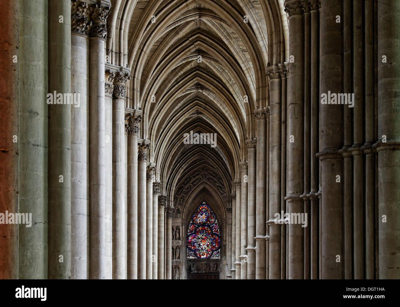 Notre Dame Cathedral of Reims, side aisle, Via Francigena ...
