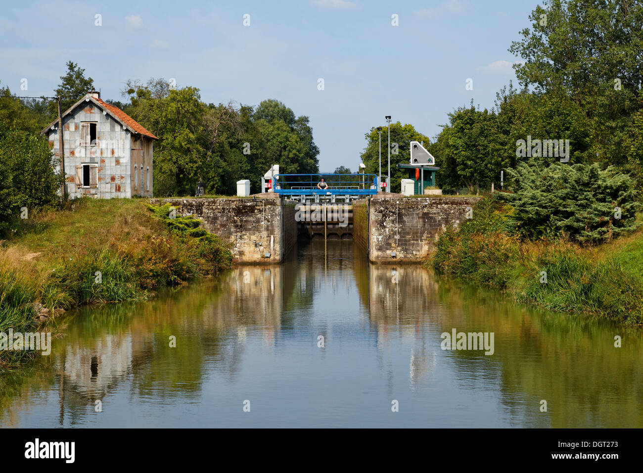 Abandoned lock keeper's house at the now automated lock, Canal des Vosges, formerly Canal de l'Est, Corre, Vesoul, Stock Photo