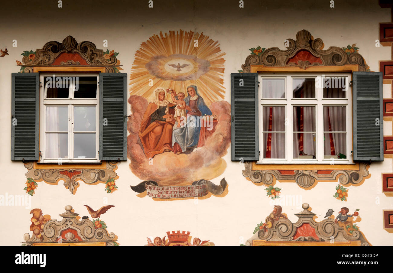 Lueftl Malerei, traditional mural painting on the side of a house, Oberammergau, Upper Bavaria - Stock Image
