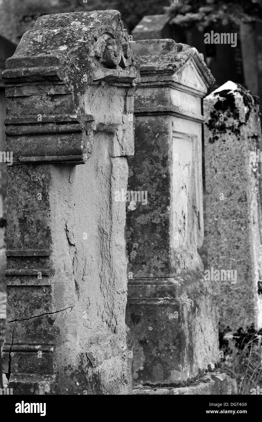Weathered headstones on the third Jewish cemetery of 1897, Schnaittach, Middle Franconia, Bavaria - Stock Image