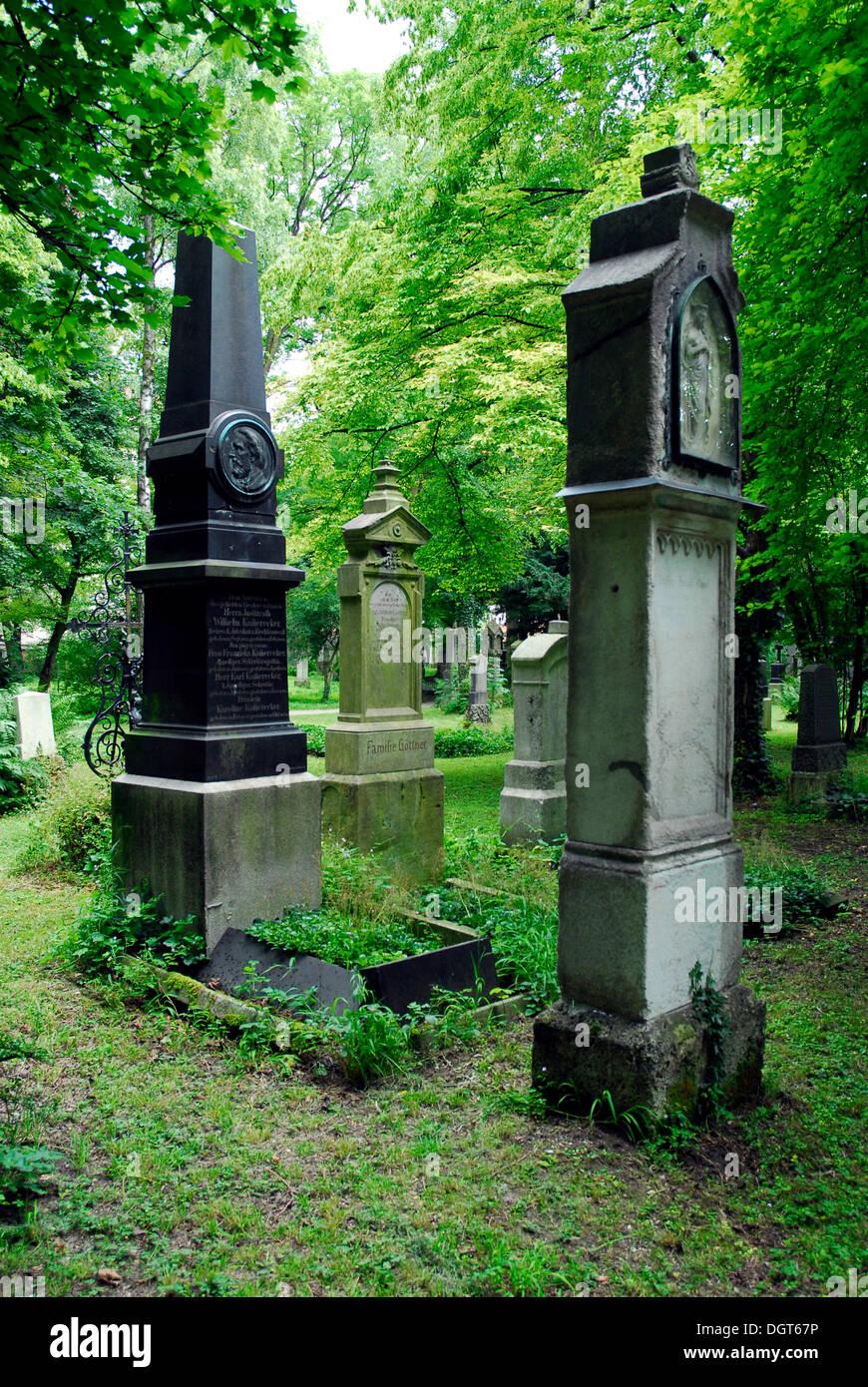 Graves, tombstones, Alter Suedlicher Friedhof cemetery, Munich, Upper Bavaria, Bavaria - Stock Image