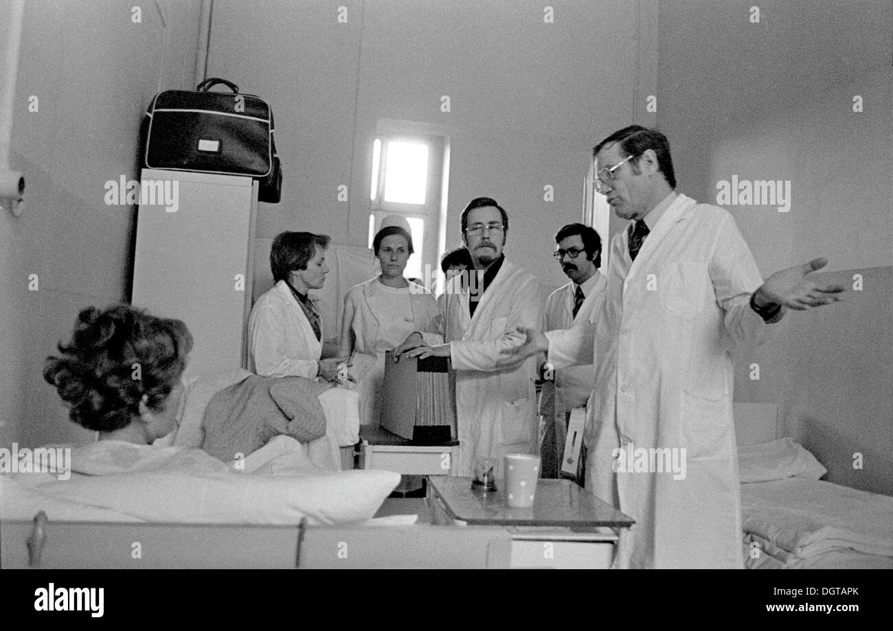 Medical round at Leipzig University Hospital, ENT clinic, about 1974, GDR, German Democratic Republic, Europe - Stock Image