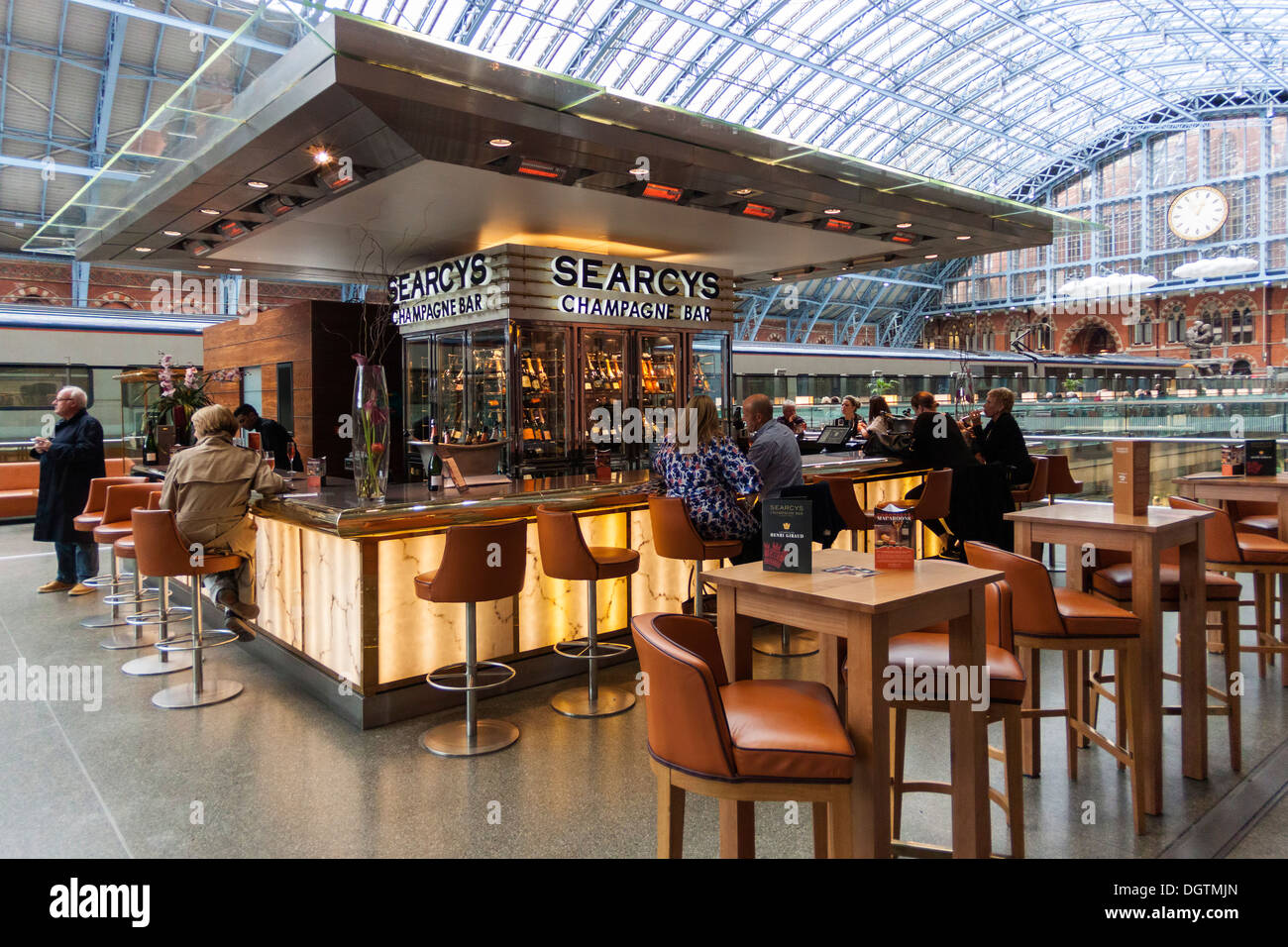 Searcy's Champagne Bar, St Pancras Station, London - Stock Image