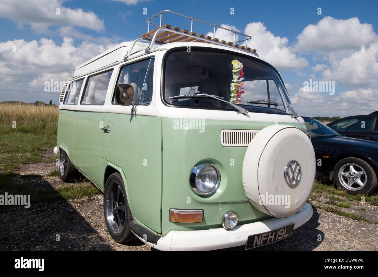 vw campervan campervans vans van camper vilkswagen bay window - Stock Image