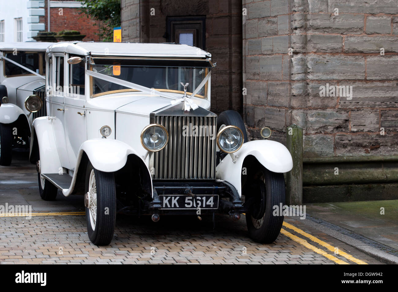 White vintage Rolls-Royce wedding cars Stock Photo: 62021570 - Alamy