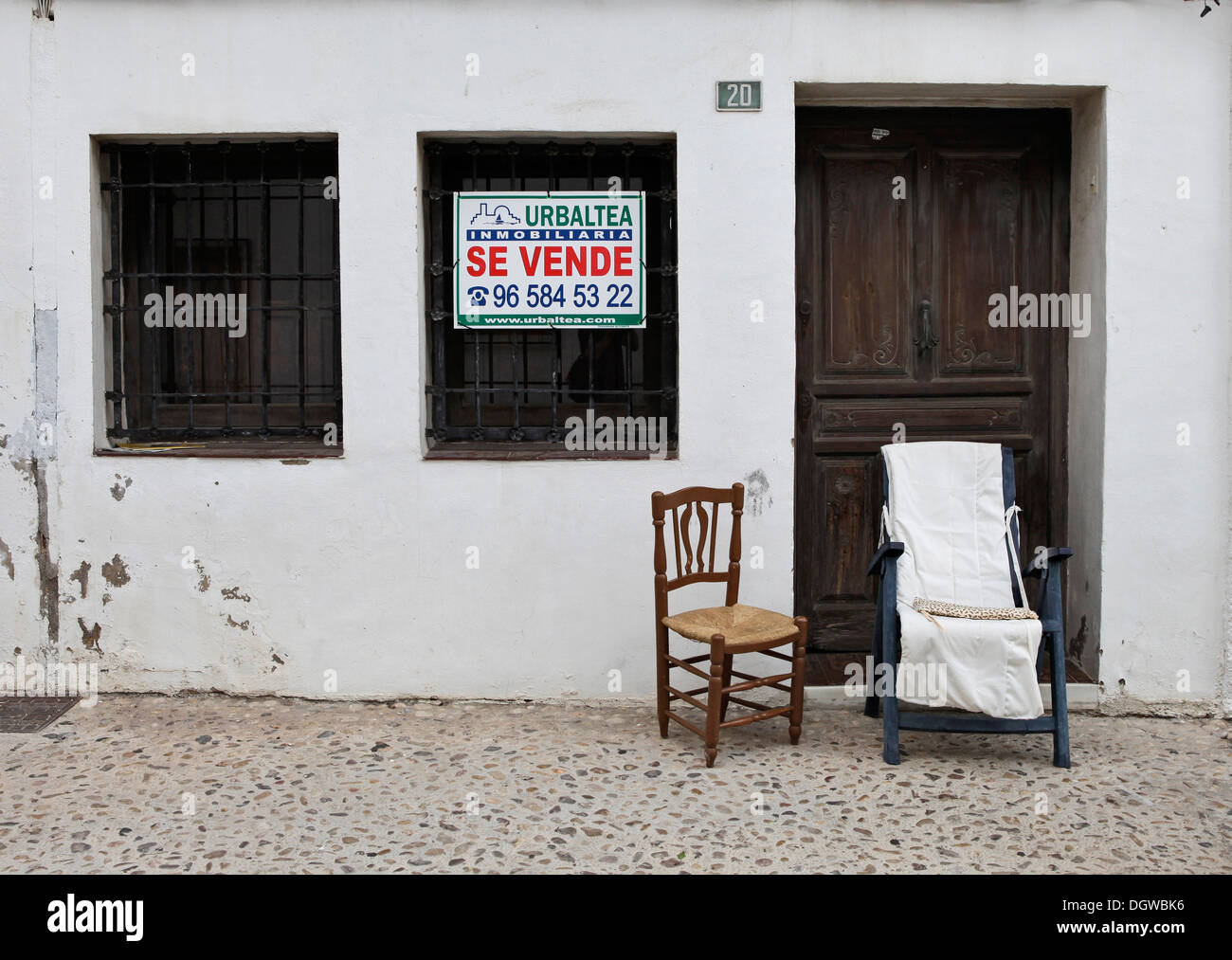 AN OLD VILLAGE HOUSE FOR SALE IN ALTEA, COSTA BLANCA, ALICANTE, SPAIN - Stock Image