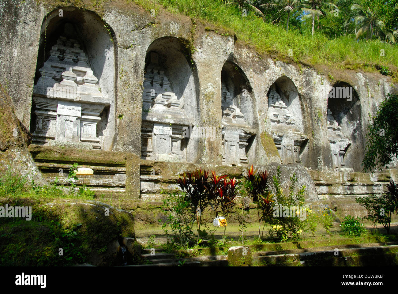 Bali Hinduism, ancient rock sanctuary, five Candi monuments carved as reliefs on rock, Gunung Kawi Temple, Tampasiring Stock Photo