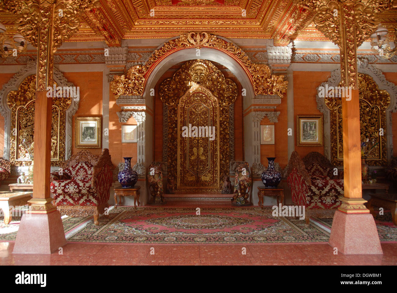 Royal Palace, Puri Saren Agung Palace, magnificent entrance hall with door, Ubud, Bali, Indonesia, Southeast Asia, Asia - Stock Image
