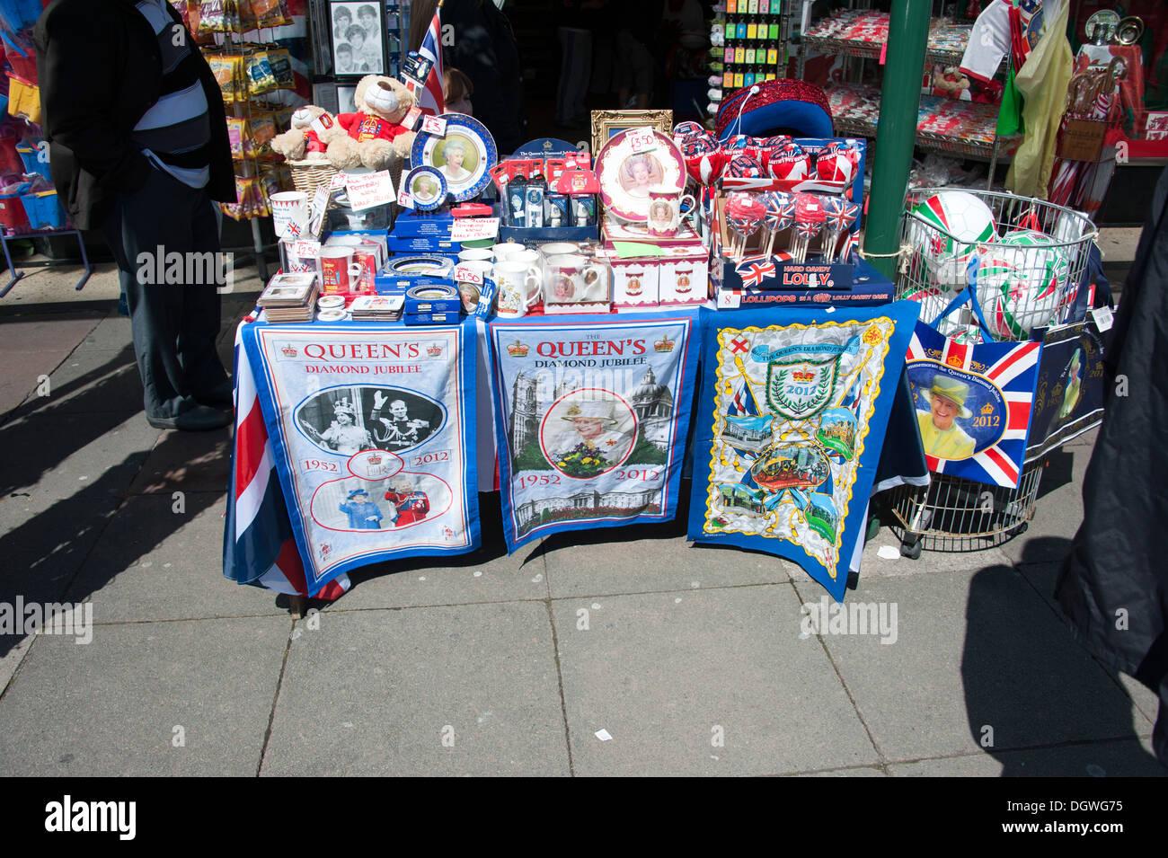 Queen Diamond Jubilee 2012 Tea Towel Towels Gifts - Stock Image