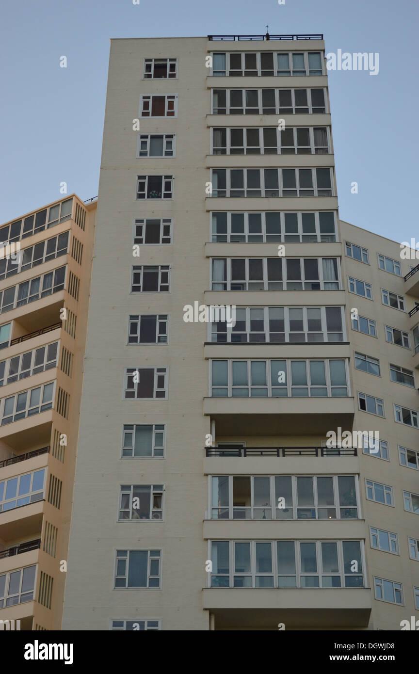 Hi-rise housing in Bournemouth - Stock Image