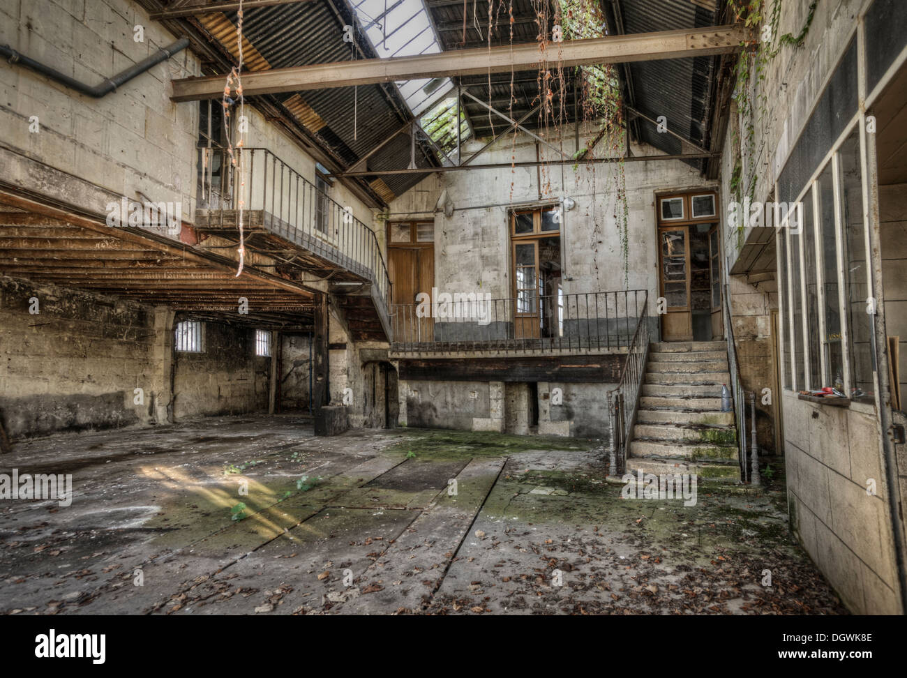Abandoned garage france stock photo 62029534 alamy for Garage automobile montlucon