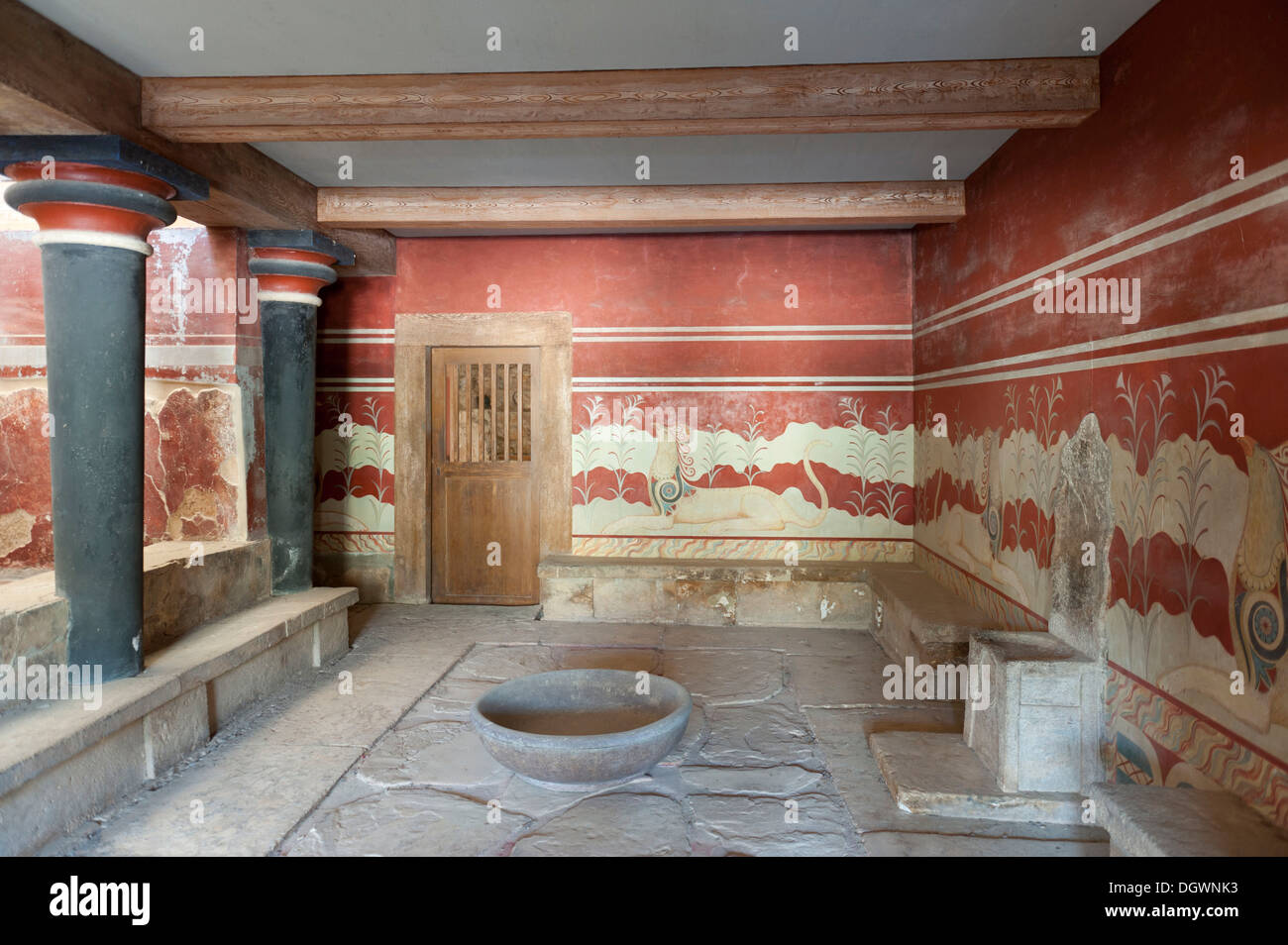 Archaeology, Minoan civilisation, antiquity, throne room with an alabaster throne, reconstruction according to archaeologist Sir - Stock Image