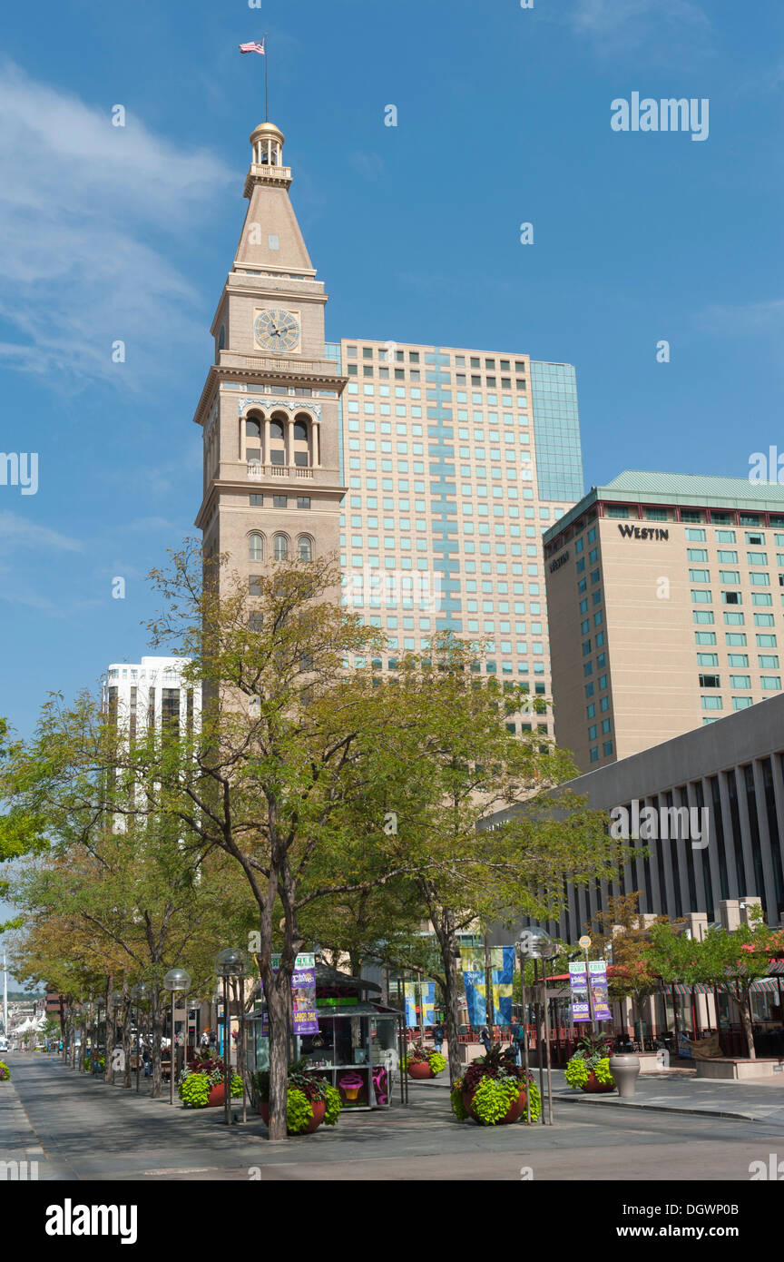 Pedestrian zone, 16th Street Mall, high-rise buildings in the downtown area with Daniels & Fisher Tower, Denver, Colorado, USA - Stock Image