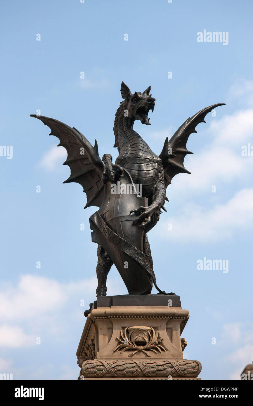 Dragon in Fleet Street, Temple Bar, Royal Courts of Justice, London, England, United Kingdom, Europe - Stock Image