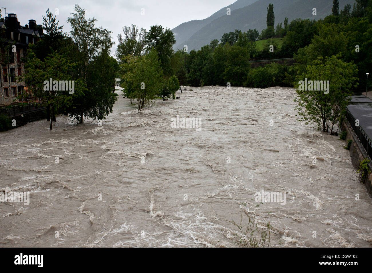 The Rio Ara in flood after rains of June 2013, Ordesa, Pyrenees, Spain. - Stock Image