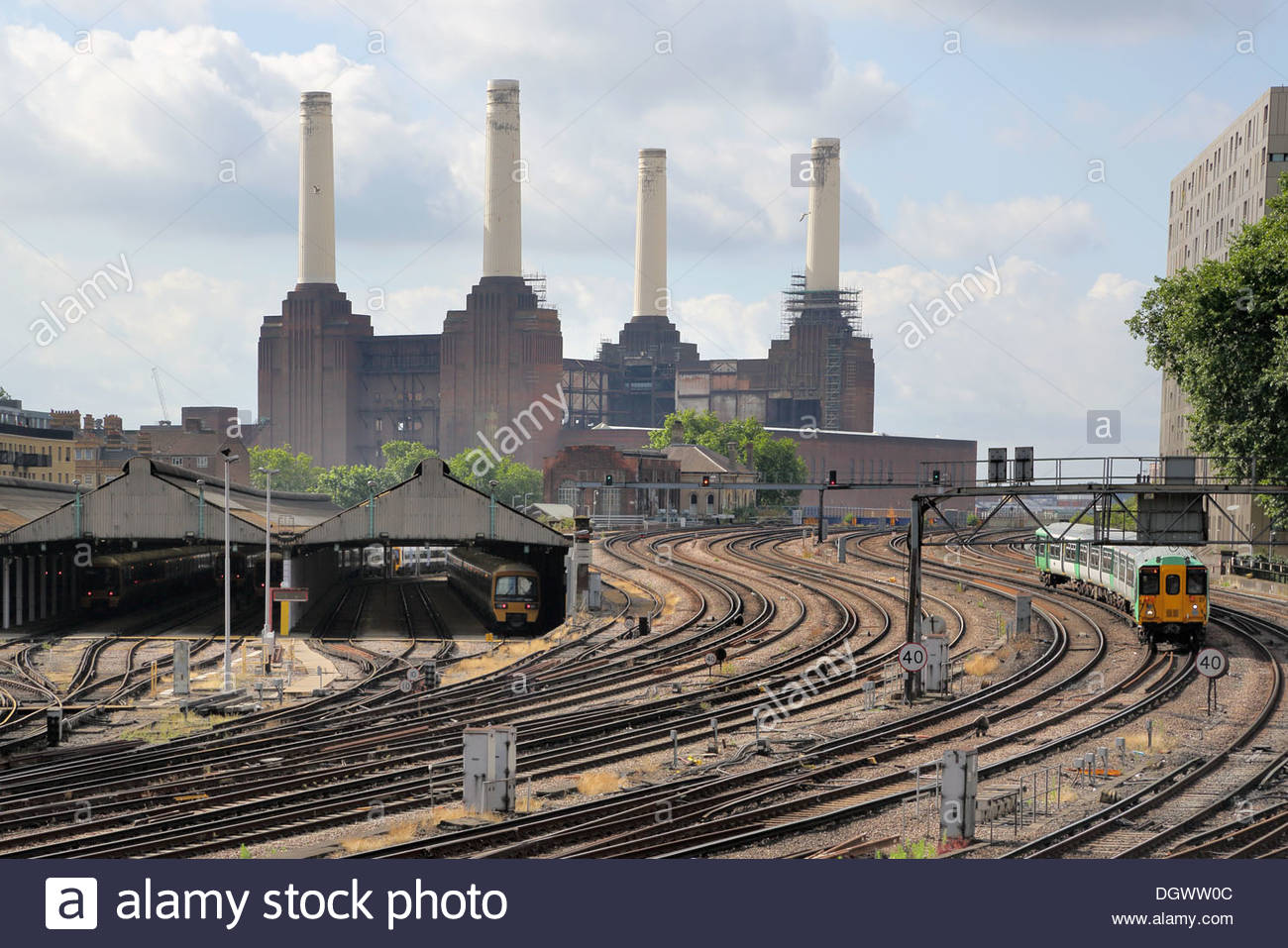 Battersea power station and railway tracks - Stock Image
