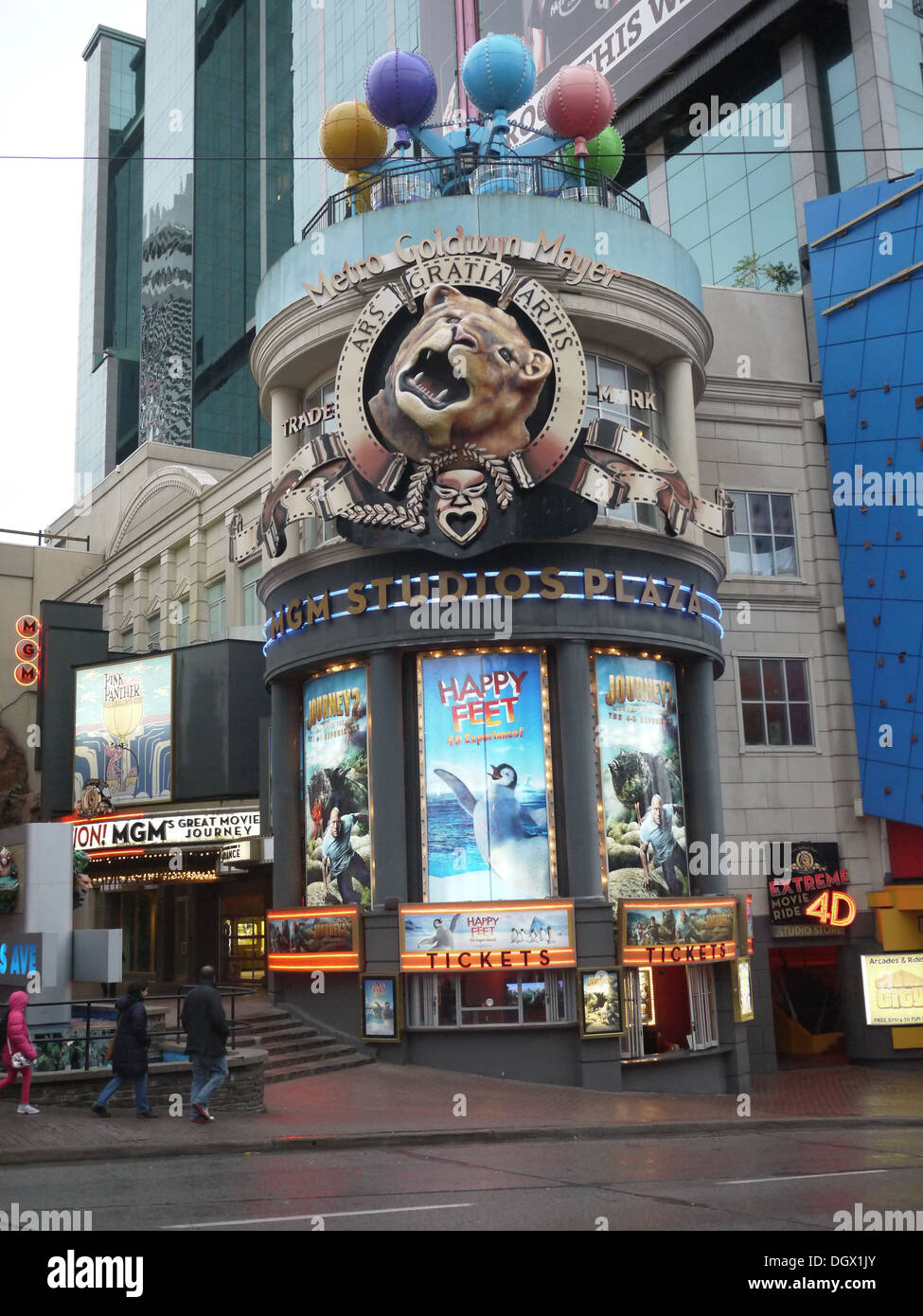 The MGM Studio Plaza Niagara Falls features one of a kind 4D theatres and rides. - Stock Image
