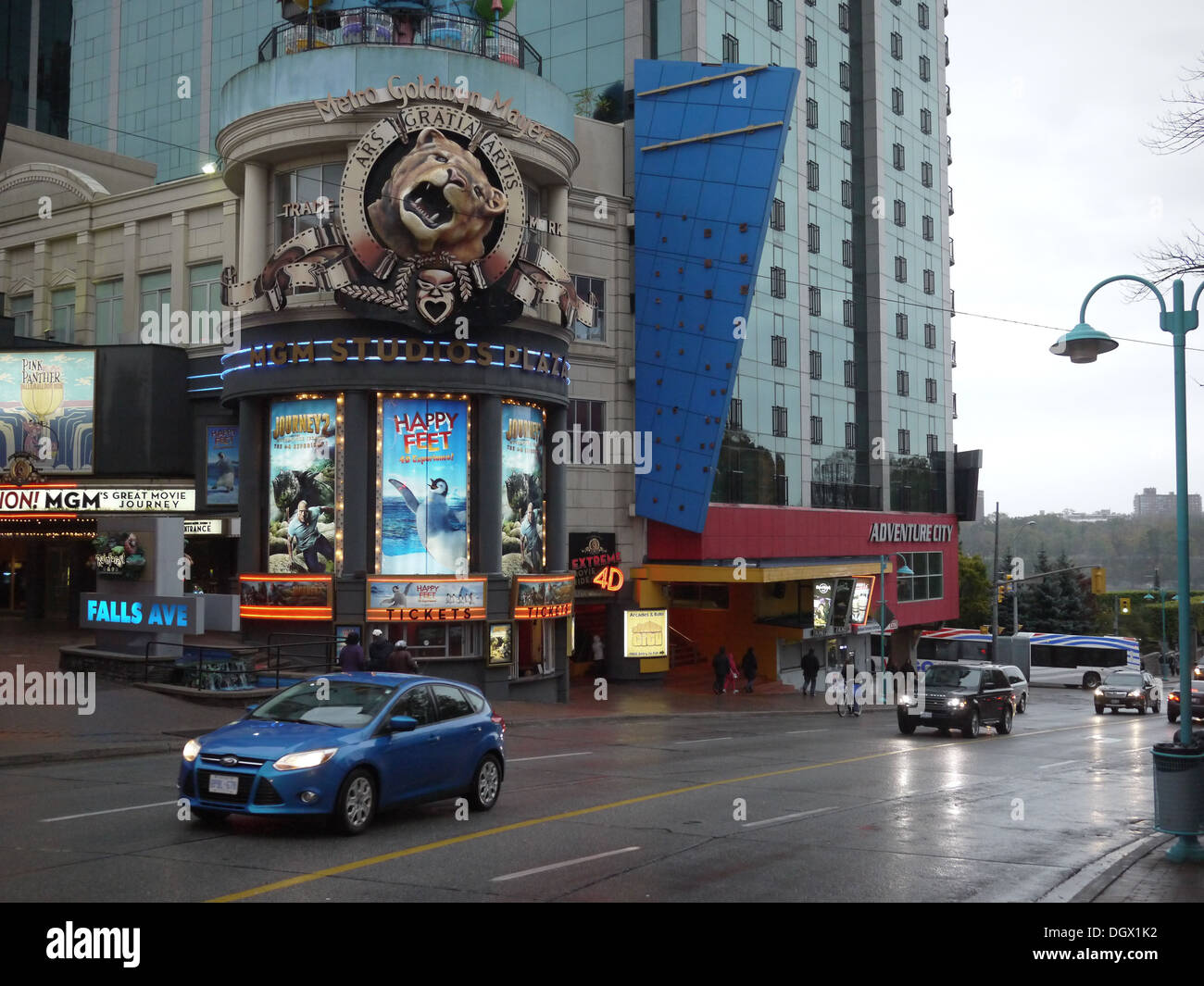 The MGM Studio Plaza Niagara Falls is a one of a kind retail store and attraction outlet. - Stock Image