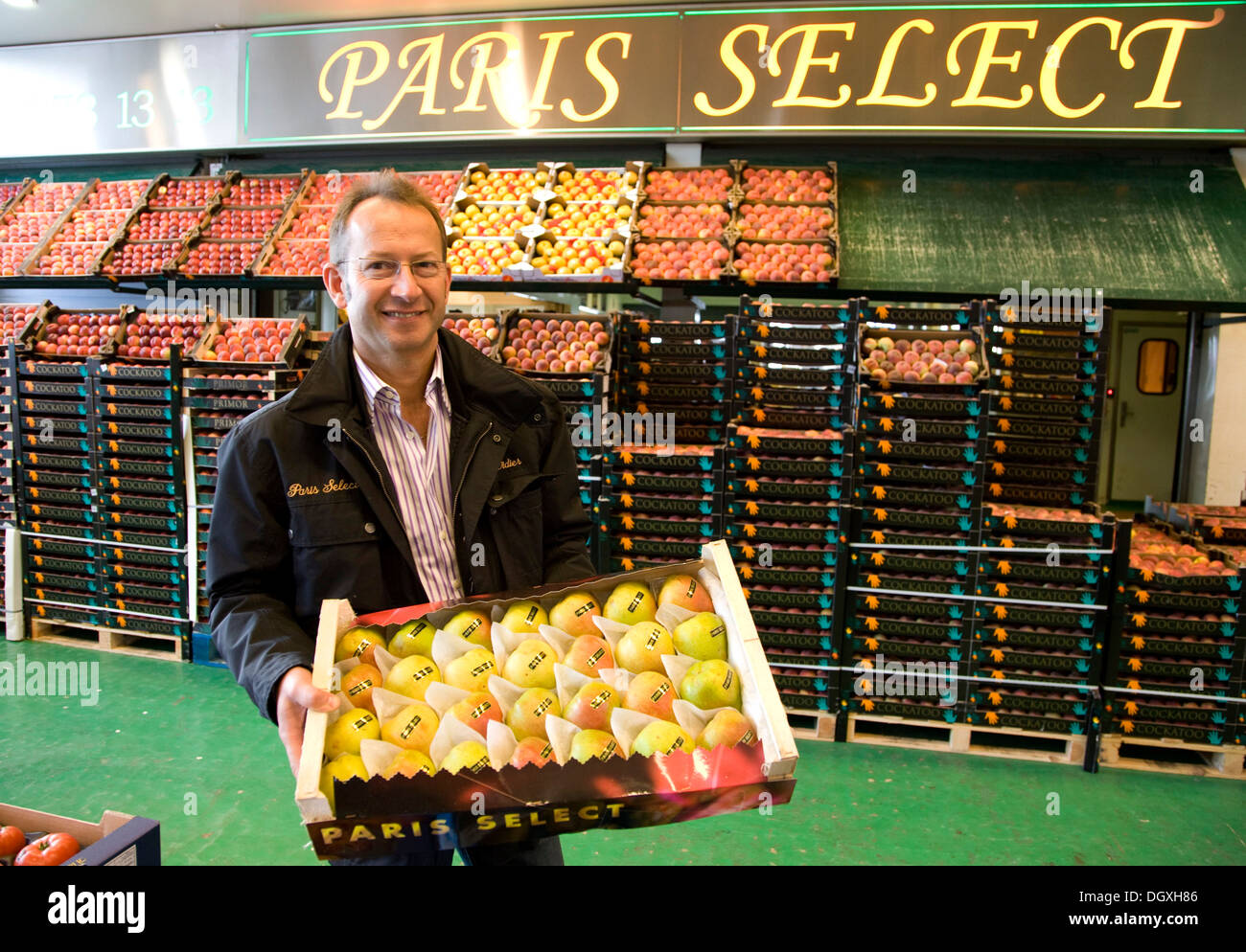 Didier IOLI, head of PARIS SELECT, Pavillon des Fruits et Legumes, fruit and vegetable hall, Rungis wholesale market - Stock Image