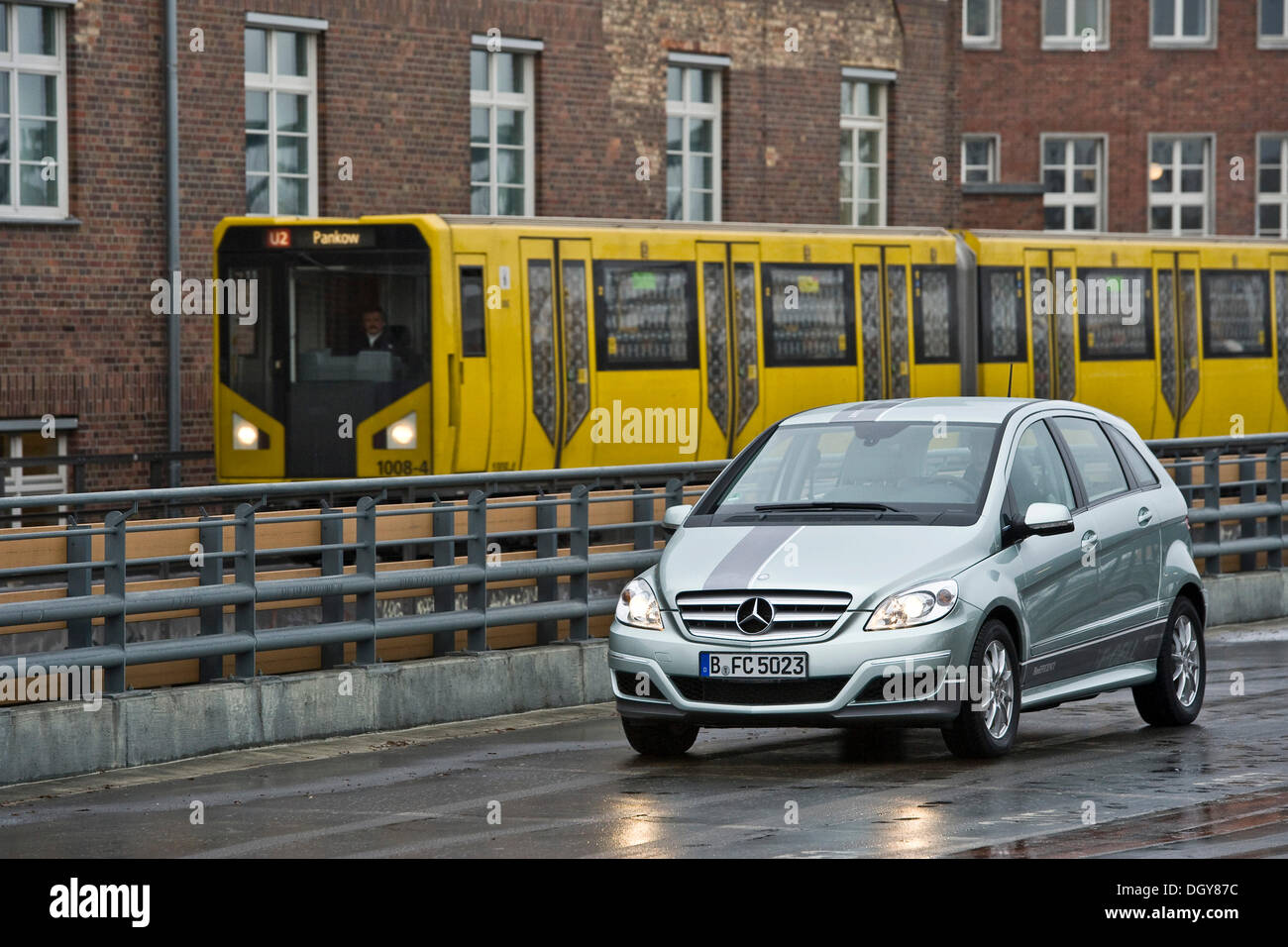 Hydrogen fuel cell vehicle, Mercedes B-class zero-emission, metro, Berlin - Stock Image