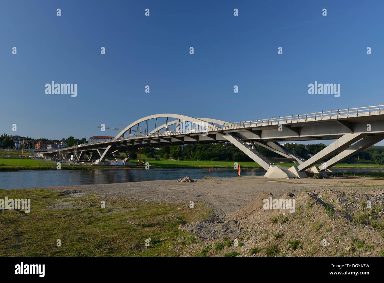 Neue Waldschloesschenbruecke Bridge, construction site of the controversial new Elbe river crossing, Dresden, Saxony - Stock Image