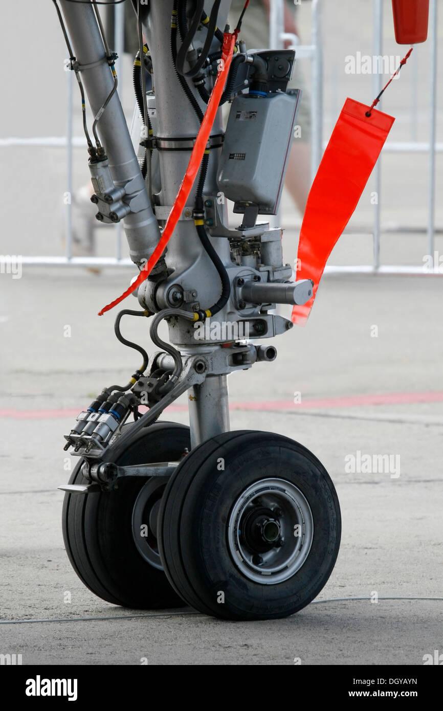 Retractable landing gear, combat aircraft, nose gear - Stock Image