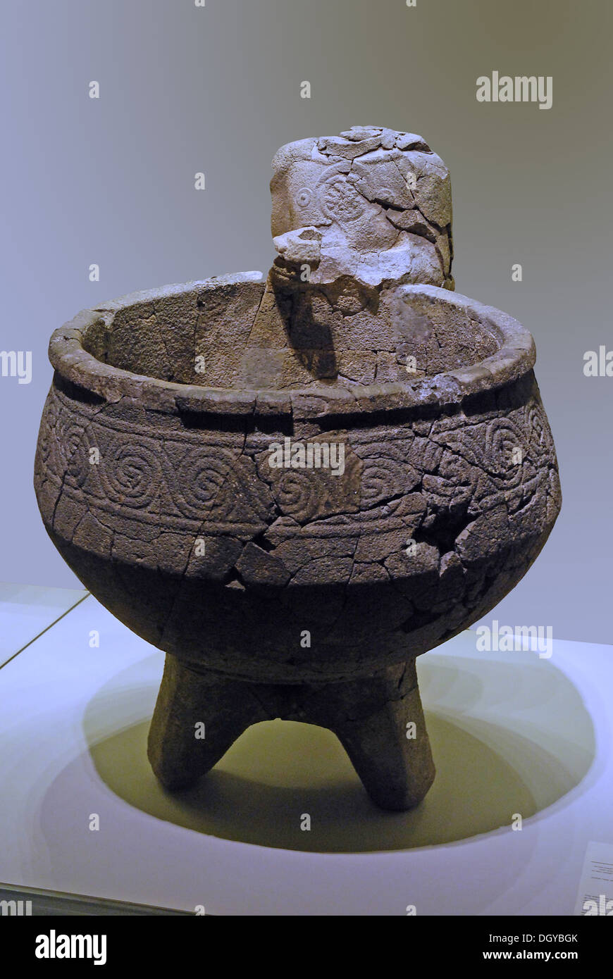 5689. Hazor, Holy of Holiest Orthostat Temple. Decorated basalt basin for liquid offerings. Late Canaanite period, Stock Photo