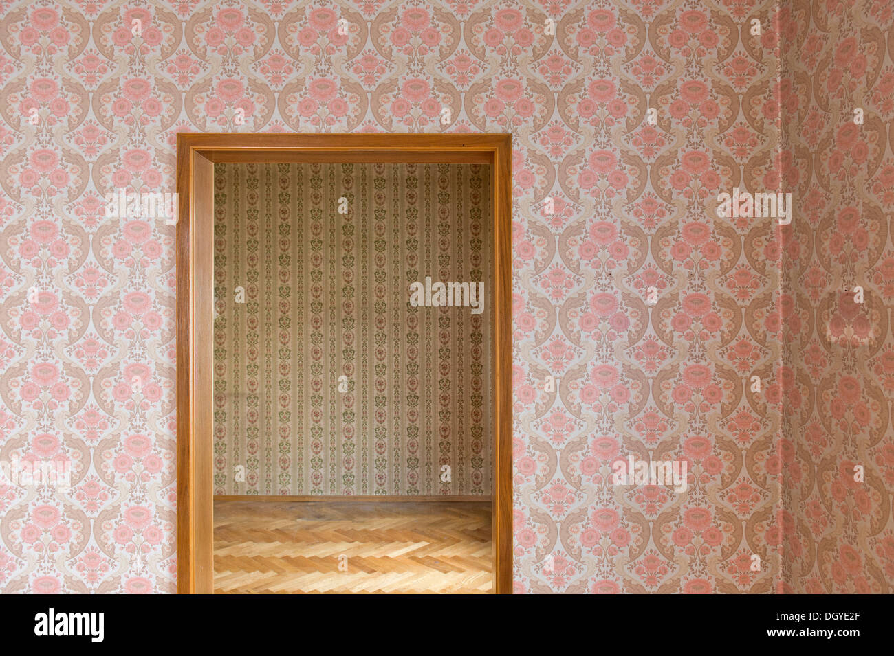 Room with old wallpaper, old wallpaper from the sixties, Stuttgart, Baden-Wuerttemberg - Stock Image