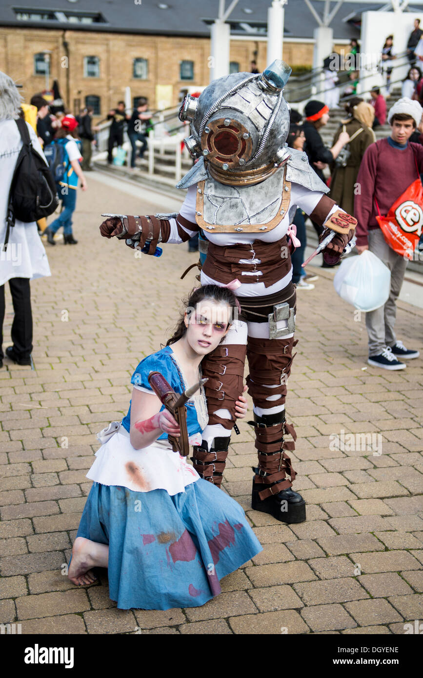 London Uk October 26 Cosplayers Dressed As Big Daddy And