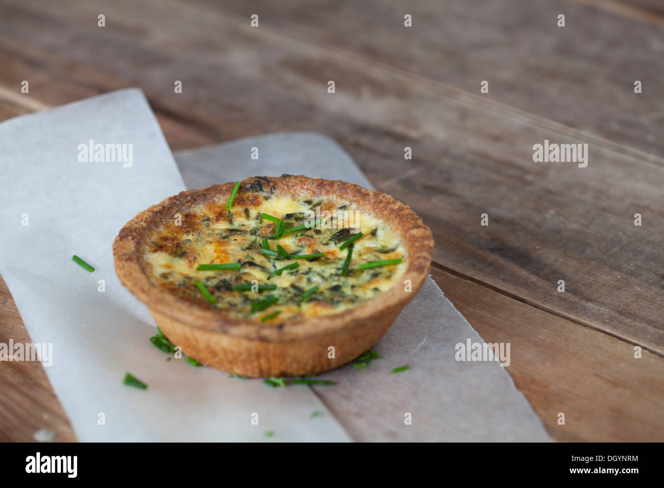Spinach and feta quiche - Stock Image