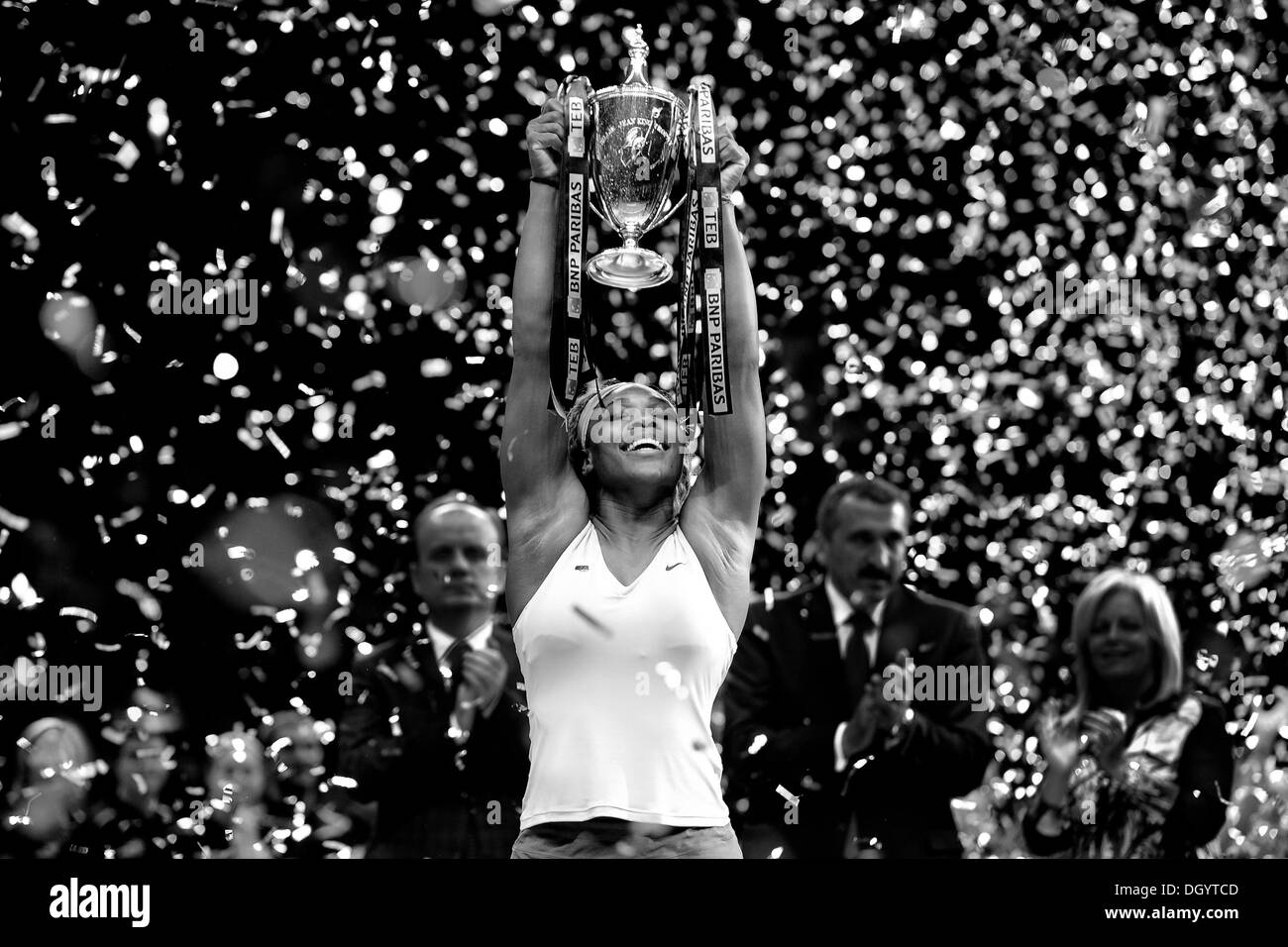 Istanbul, Turkey. 27th Oct, 2013. Serena Williams (USA) celebrates her win against Na Li (CHN) in the final of the WTA BNP Paribas Istanbul Open. Credit:  Action Plus Sports/Alamy Live News - Stock Image