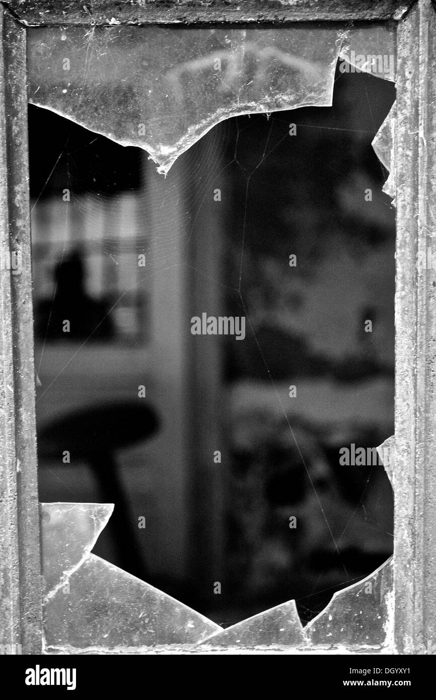 Vintage broken window detail - Stock Image