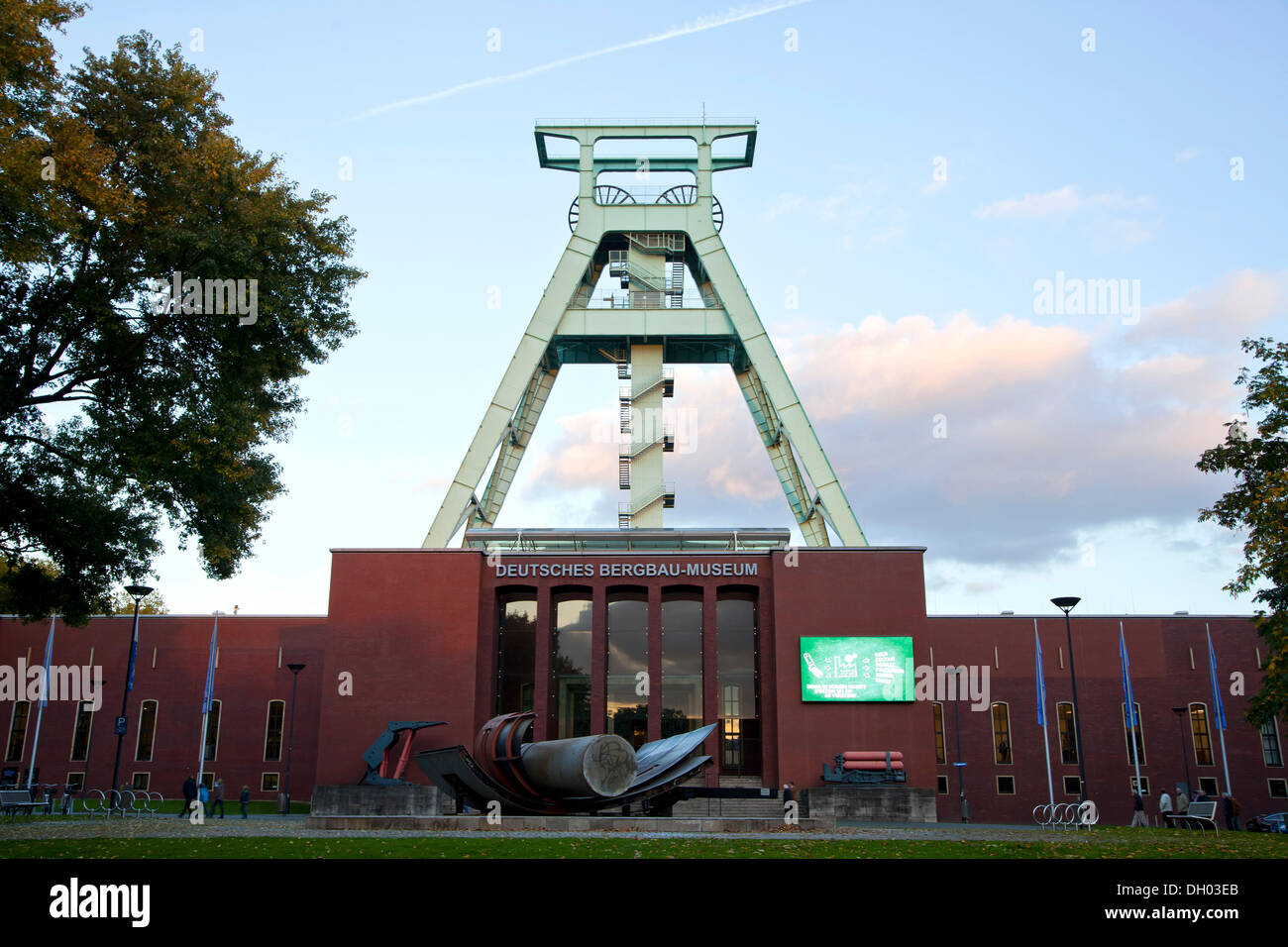 The German Mining Museum, 'Deutsches Bergbau-Museum' with headframe, Bochum, North Rhine-Westphalia - Stock Image