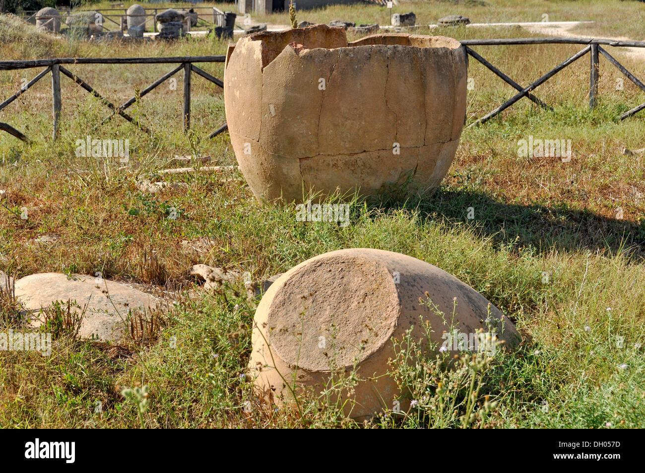 Etruscan pottery, Monterozzi Necropolis, 6th to 2nd century BC, Tarquinia, Lazio, Italy, Europe - Stock Image