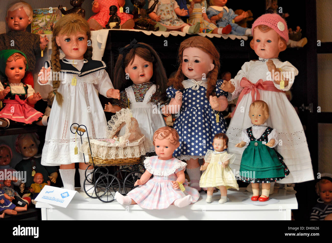 Old dolls from the Schildkroet factory in the shop Buedinger Puppenhaus, Büdingen, Hesse, Germany - Stock Image