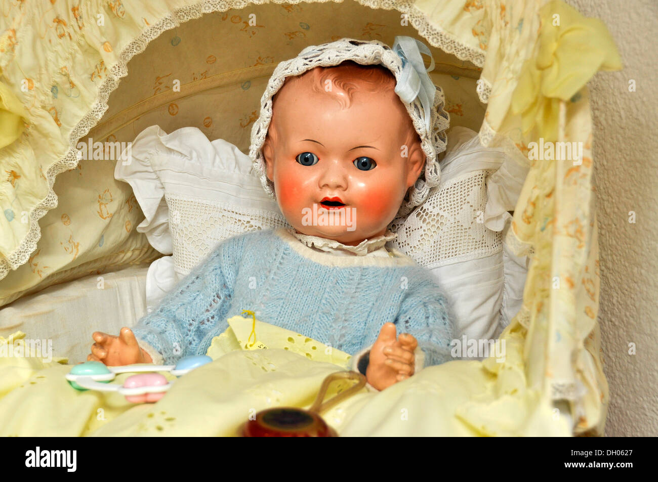 Old doll from the Schildkroet factory in the shop Buedinger Puppenhaus, Büdingen, Hesse, Germany - Stock Image
