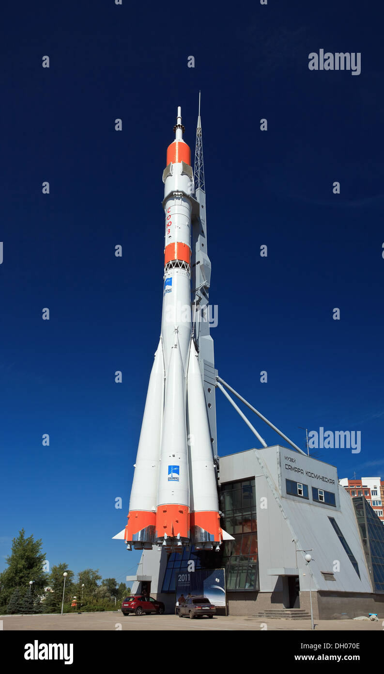 Real Soyuz spacecraft as monument - Stock Image