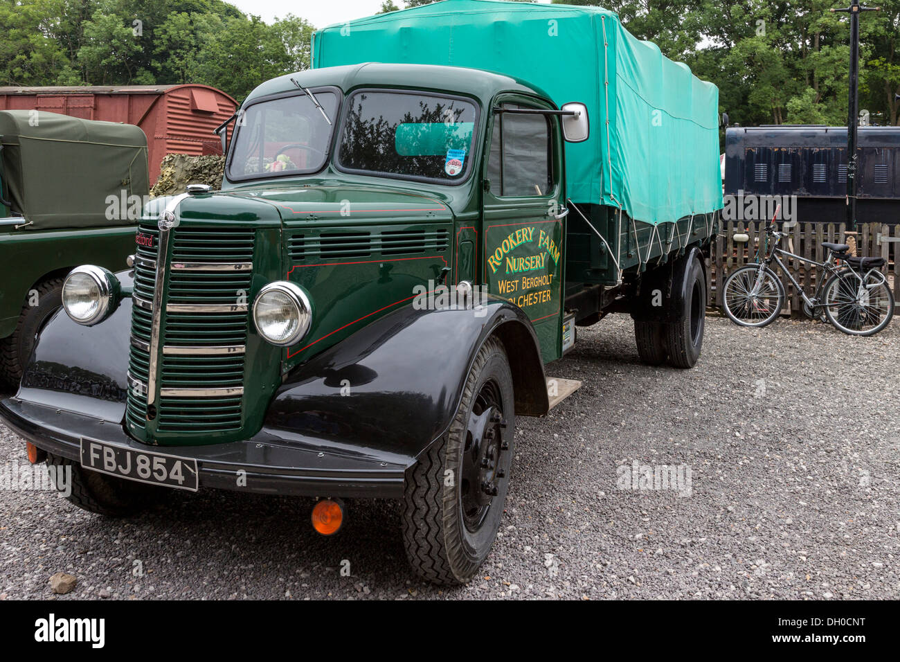 1946 Bedford OLB Dropside, FBJ854, on display at the Whitwell & Reepham Steam Rally, Norfolk, UK. - Stock Image