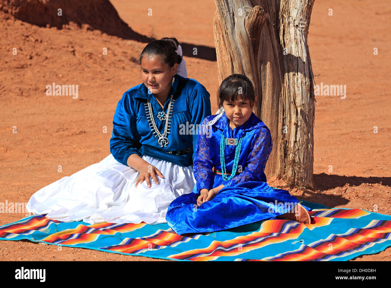 Navajo Indian mother and daughter, Monument Valley, Utah, United States - Stock Image