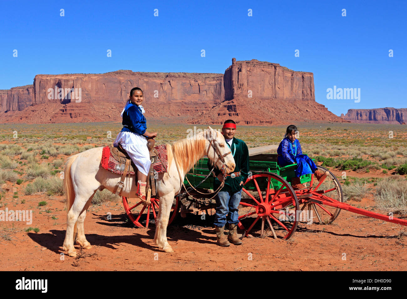 Navajo Indian family with a horse and carriage, Monument Valley, Utah, United States - Stock Image