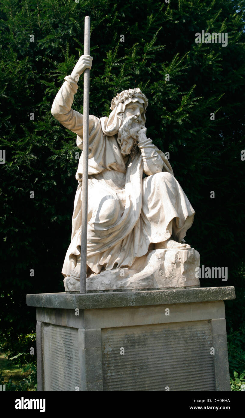 Druid statue Croome Park Landscaped Gardens NT Worcestershire England UK - Stock Image