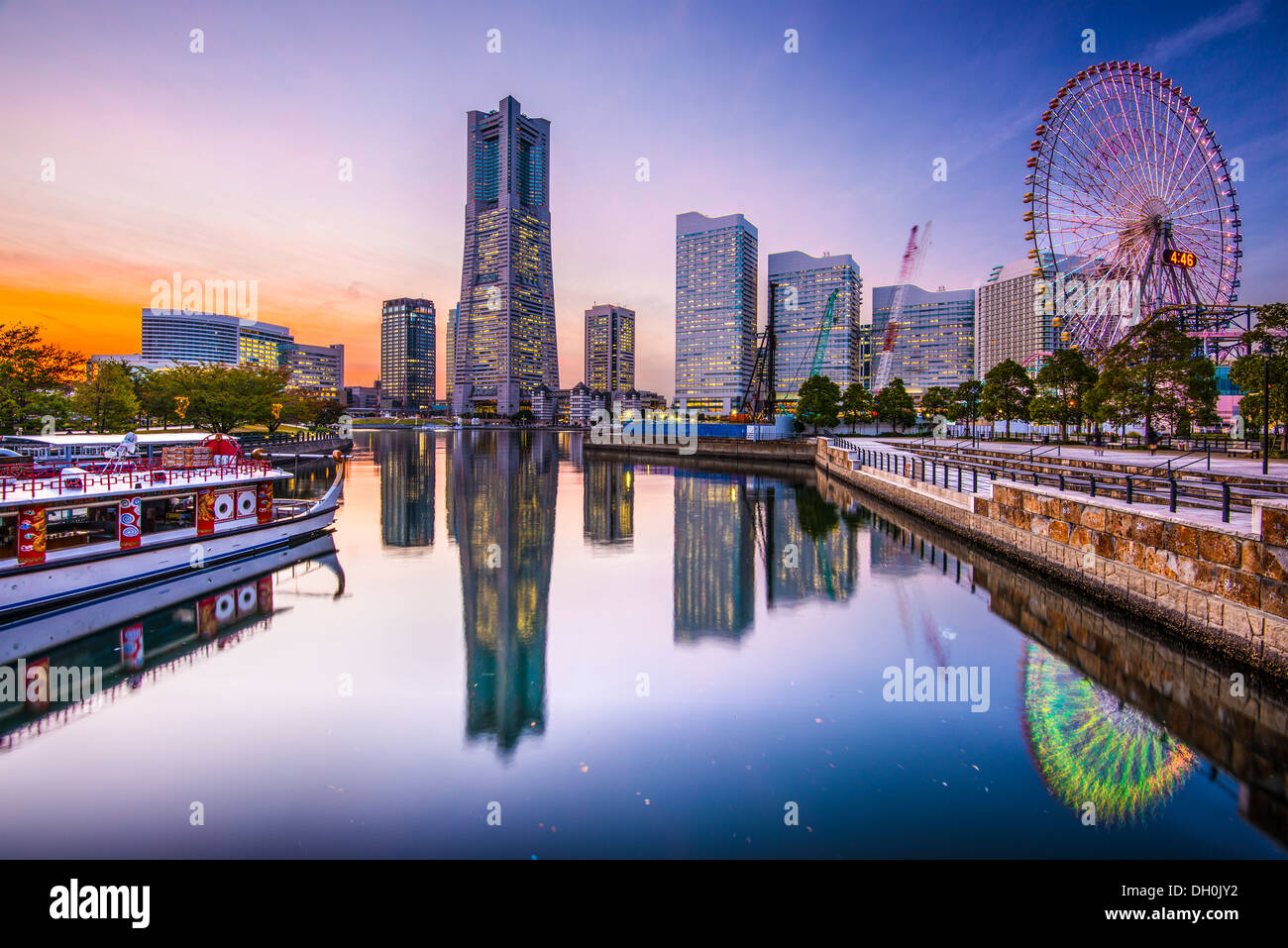 Yokohama, Japan skyline at Minato Mirai waterfront district. - Stock Image
