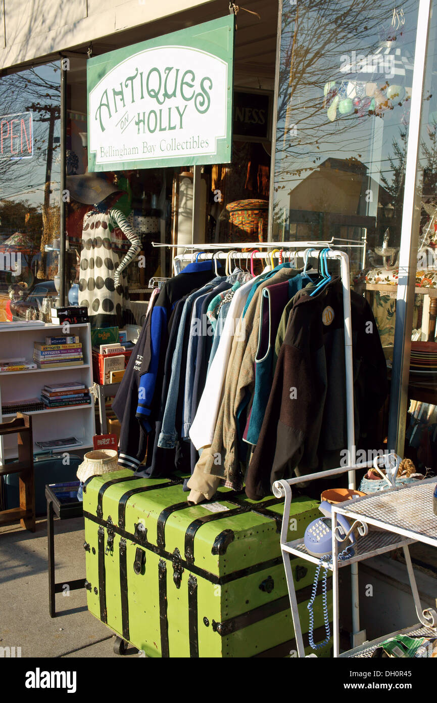 Antiques and collectibles shop in the city of Bellingham, Washington, USA - Stock Image